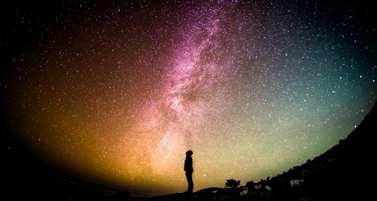 Какую форму имеет Вселенная